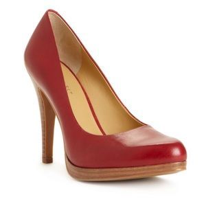 Perfect Rocha Red Pumps